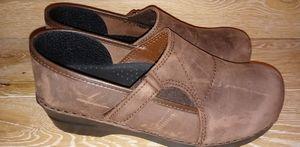 Sanita leather clogs. (40)